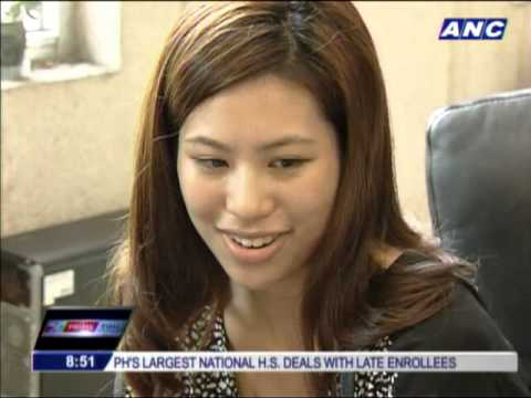 Pinay reporter's beauty catches Taiwan attention