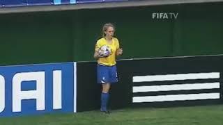 Crazy throwin Women footbal
