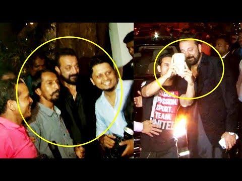 download lagu Sanjay Dutt`s Adorable Gesture For Fans And Media At gratis
