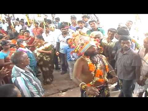 Sri Vempadi Sudalai Madasamy Kovil Kodai  Samy Villadi Munpa Attam video