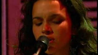 Watch Norah Jones One Flight Down video