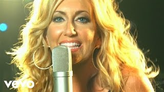 Клип Lee Ann Womack - Finding My Way Back Home