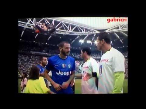Juventus Palermo 2 0 Bimbetta vuole il 5 Buffon non se ne accorge Bonucci e Tevez si