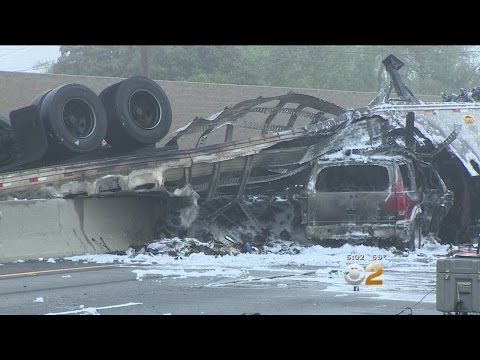 I-5 Closed In Commerce After Crash Leaves 3 Dead
