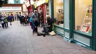 Donald Trump singing to american tourist's in Ireland