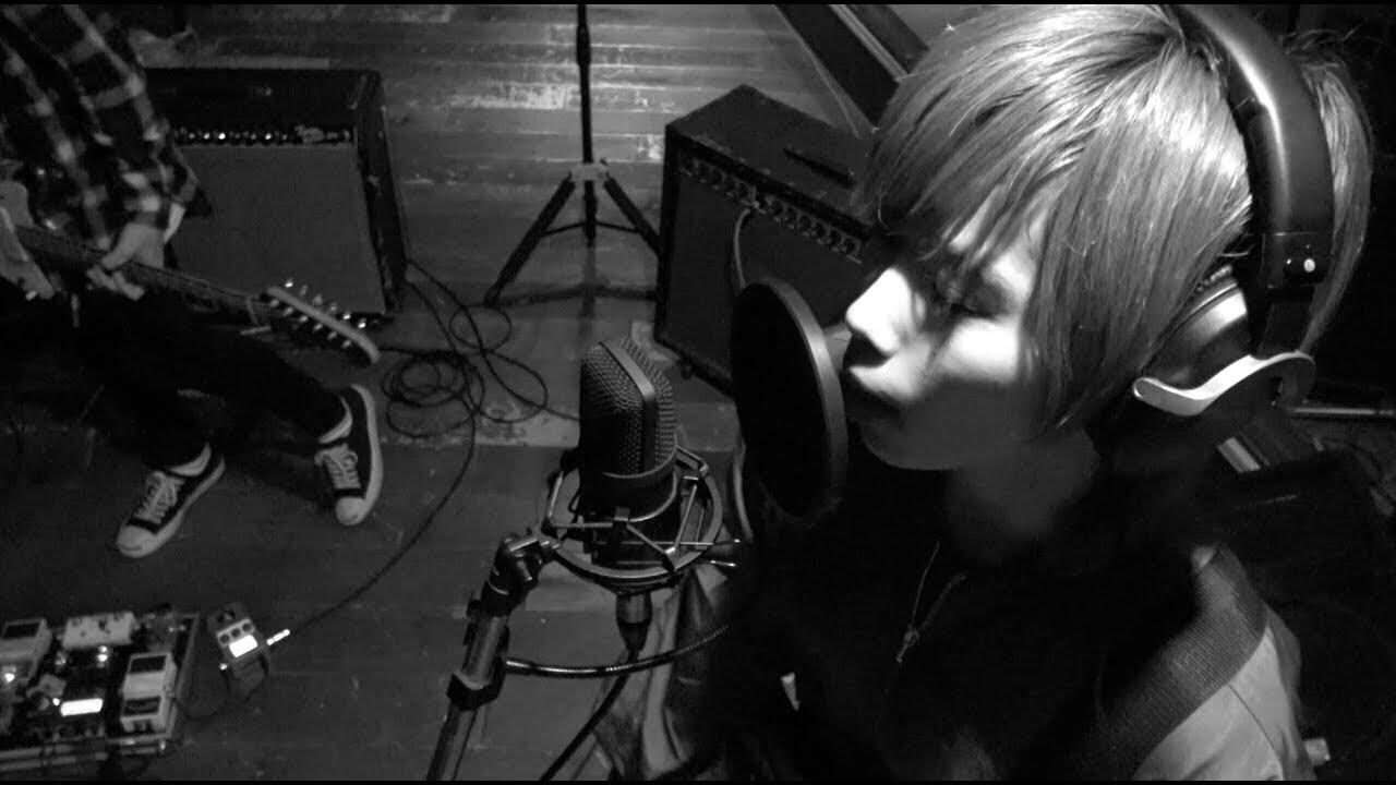 "SEENA SHEEP SKIN - ""何にも成らない""のMVを公開 2ndミニアルバム 新譜「STRANGER」2019年12月25日発売(LIVE会場限定盤) thm Music info Clip"