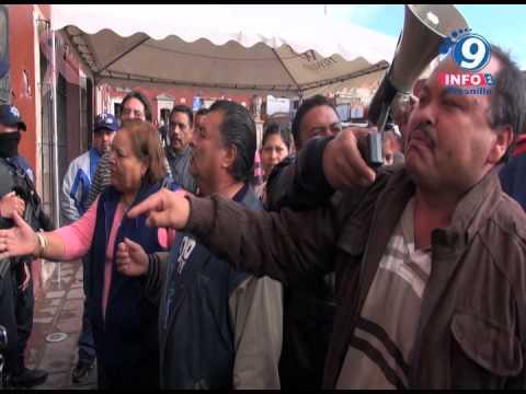 Policias Municipales impiden entrada a comerciantes a la Presidencia Municipal de Fresnillo