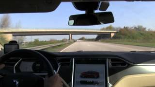 Tesla Model S P85 driving 200 km/h, 125 mph on German autobahn
