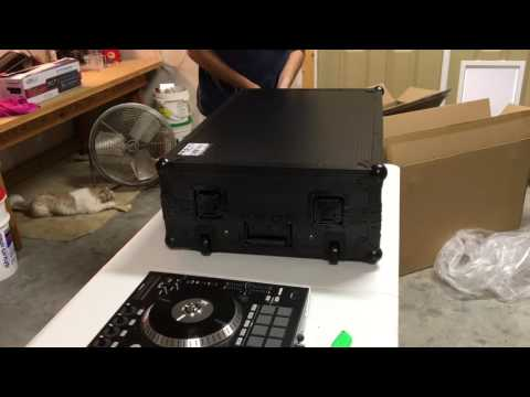 Numark NS7ii Flight Case Unboxing
