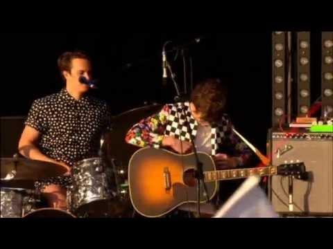 MGMT - Congratulations live @ Glastonbury 2010 HD
