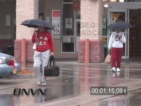 12/17/2005 Christmas Shoppers in the rain video in Sarasota, FL
