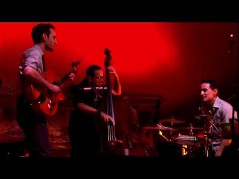 Julian Lage Trio -