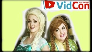 Anna and Elsa go to VidCon