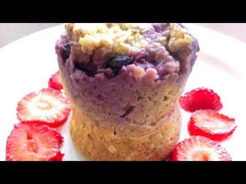 Berrylicious Microwave Minute Muffin in a Mug | FOOD BITES