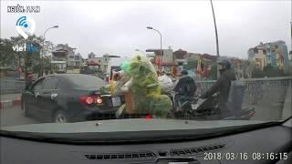 Một phụ nữ lái xe hơi ngang ngược, thách thức người đi đường ở Hà Nội