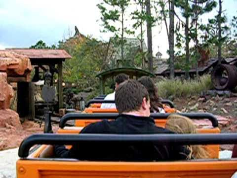 Disney World - Back Seat Ride POV On Big Thunder Mountain Railroad! Wow! Magic Kingdom rollercoaster