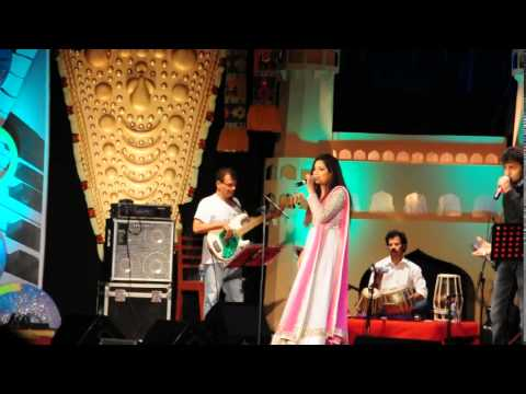 Shreya Ghoshal Singing manwa Laage Live In Chennai,2014 video