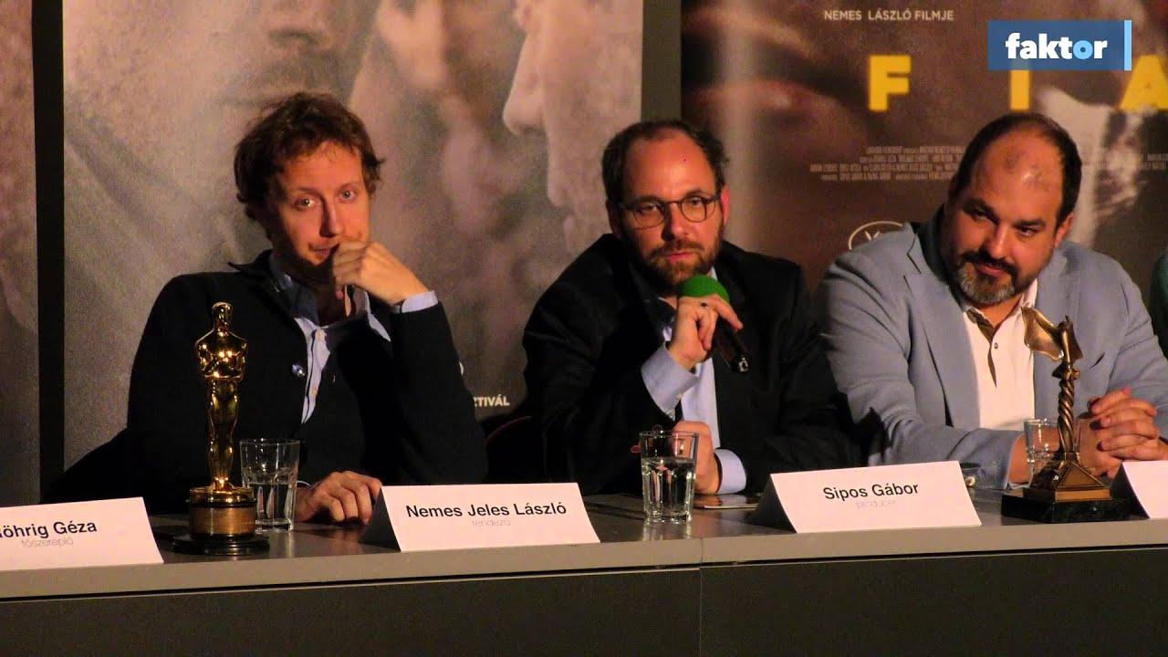 Így mutatta meg Nemes Jeles László az Oscar-díjat Magyarországon! - videó
