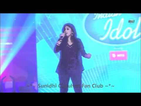 Sunidhi Chauhan Singing Aa Zara & Ishq Sufiyana Live (unplugged) - Hd video