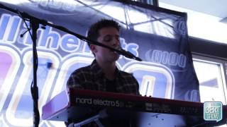 "Download Lagu Charlie Puth Covers Adele's ""Hello"" and Bieber's ""Love Yourself"" Gratis STAFABAND"