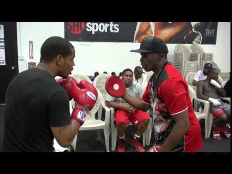 Floyd Mayweather mitt work with unbeaten TMT fighter Ladarius Miller