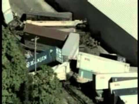 VIDEO: Freight Train Derails In Northwestern Wisconsin 9/13/2010