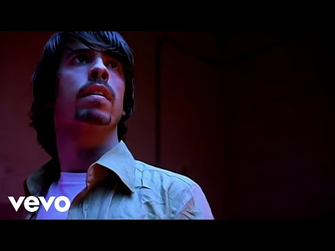 Foo Fighters – Walking After You