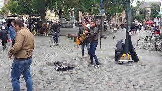 Nice band în Bruxelles