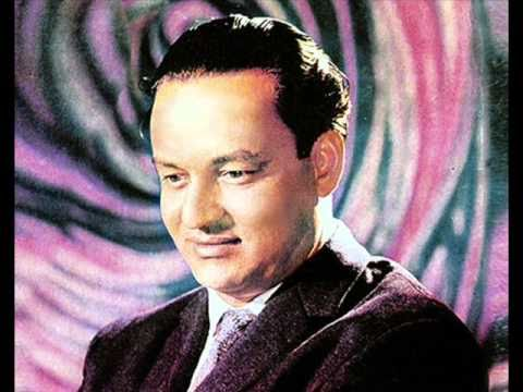 Mujhko Is Raat Ki Tanhai Mein - A Tribute To Mukesh Sahib By Qas video