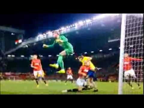 Nemanja Vidic KNOCKED OUT! Manchester United Vs Arsenal 10/11/13