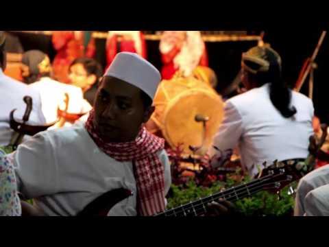 Sholawat Tali jiwo - Tombo ati kroncong protol ndut On stage DKM Malang