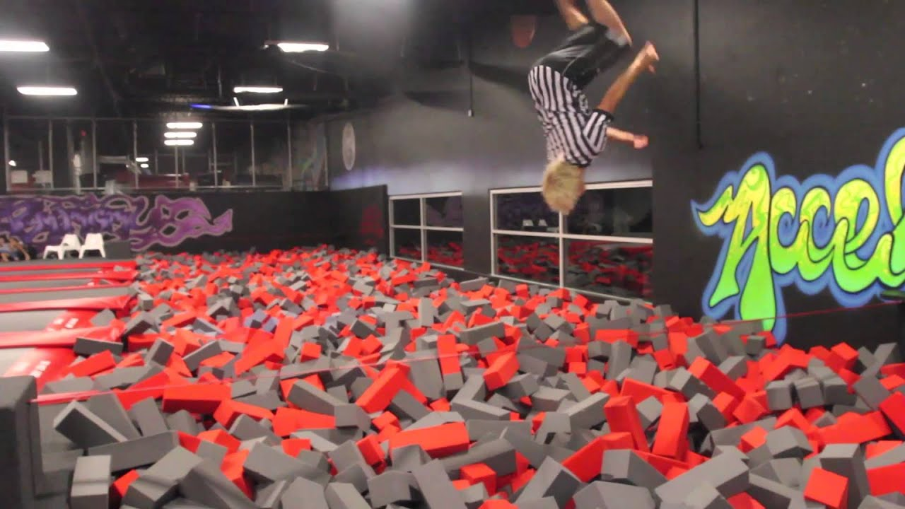 trampoline park bordeaux video. Black Bedroom Furniture Sets. Home Design Ideas