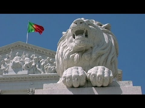 Portugal's borrowing costs ease