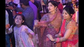 UP CM Akhilesh Yadav's wife can put any actress to shame with her dance