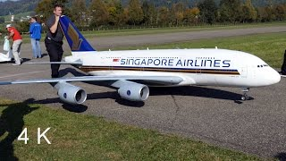 Gigantic RC Airbus A380 Singapore Airlines