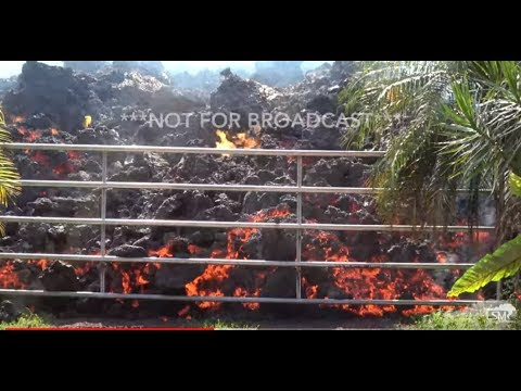 5-5-2018 Leilani Estates - Hawaii Volcano - Lava Flows Busts Gate - Overtakes Homes and Vehicles