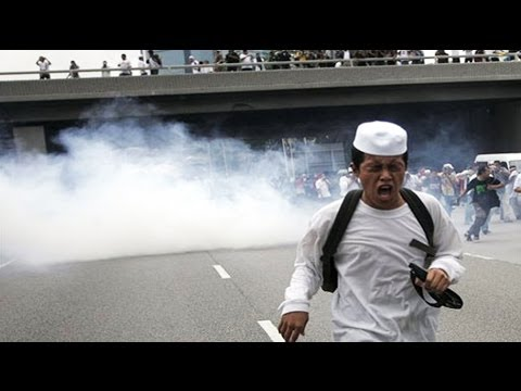 Thailand police use tear gas on protesters: tear gas explained