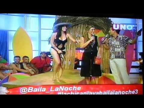 Michelle Alvarez en Traje de Baño (Baila la Noche 3)