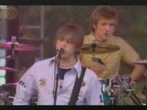 McFly - She Loves You