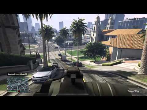 GTA V - Online mostrado o insurgente e o Karim Kuruma