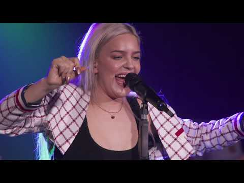 Anne-Marie - 2002 (Live At Brighton Music Hall 2018)