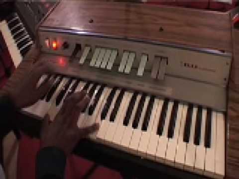 Elka Capri Jnr organ