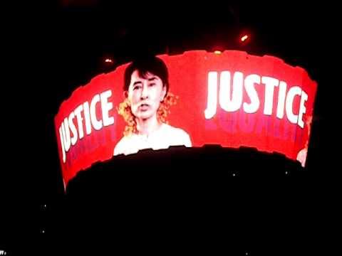 Aung San Suu Kyi on the big screen at U2360 Sun Life Stadium