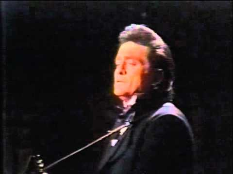 Johnny Cash - Sing A Travelling Song