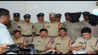 Police held Thieves Gang In LB Nagar,Hyderabad