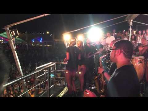 Ivete Sangalo feat Ludmilla @ 03/01/2015 Guarapari-ES