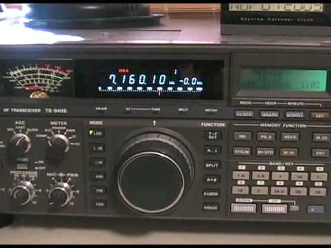 AMATEUR RADIO  KENWOOD TS-940SAT  TRANSCEIVER  NICE OLD RADIO  LONDON,ONTARIO NOV.2009.