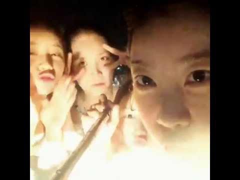 141121 걸스데이 소진 인스타그램 Sojin instagram 싱가폴 Singapore 수영장 Girl's Day 유라 민아 혜리 다이빙 셀카봉 해외