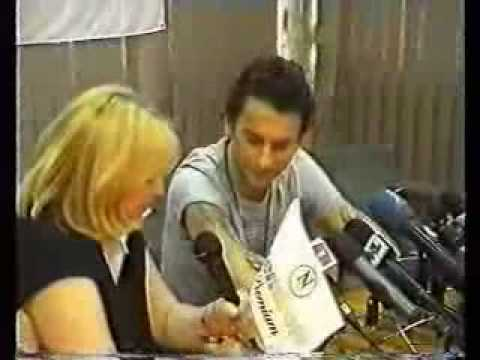 Dave Gahan Speaks Russian