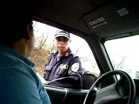 Policias Hondureños chingando Salvadoreños.3gp